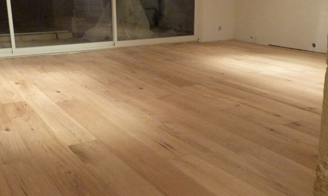 reparer parquet latest choisir poser et entretenir un parquet bois with reparer parquet. Black Bedroom Furniture Sets. Home Design Ideas